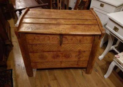 114 - Felújított Míves Bútorok