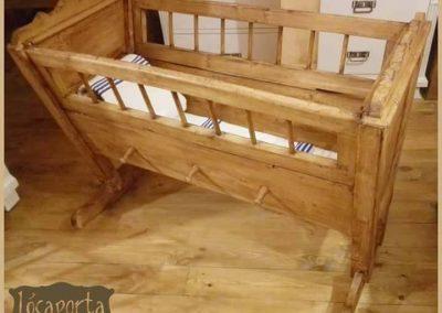 150 - Felújított Míves Bútorok