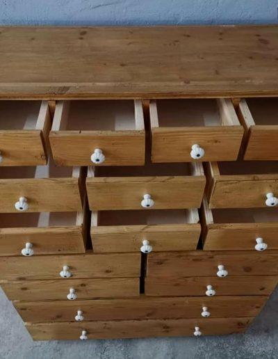 16 fiokos komod magas mivesbutor 2 - Felújított Míves Bútorok