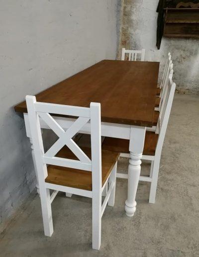 250 esztergalt feher asztal mivesbutor 3 - Felújított Míves Bútorok