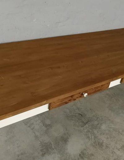 250 esztergalt feher asztal mivesbutor 5 - Felújított Míves Bútorok