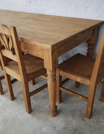 250 esztergalt vax asztal mivesbutor 11 - Felújított Míves Bútorok