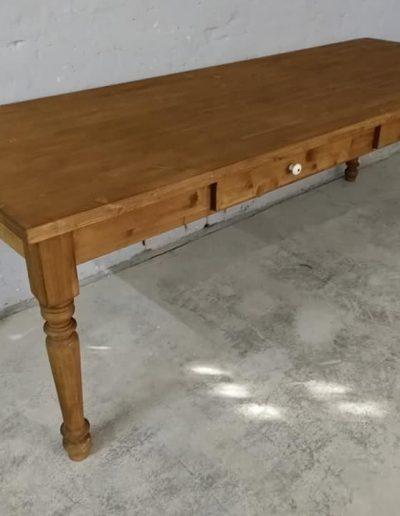 250 esztergalt vax asztal mivesbutor 4 - Felújított Míves Bútorok