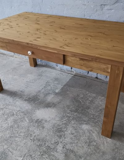 160 egyenes vax asztal mivesbutor 3 - Felújított Míves Bútorok