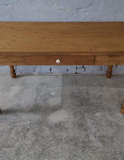 160 esztergalt vax asztal mivesbutor 1 - Felújított Míves Bútorok