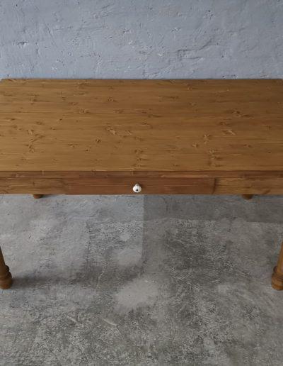 160 esztergalt vax asztal mivesbutor 2 - Felújított Míves Bútorok