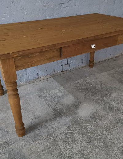 160 esztergalt vax asztal mivesbutor 4 - Felújított Míves Bútorok