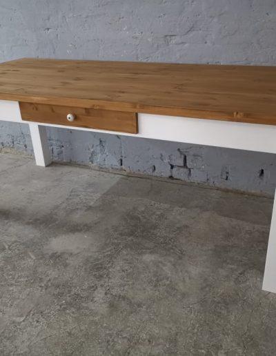200 egyenes feher asztal mivesbutor 1 - Felújított Míves Bútorok
