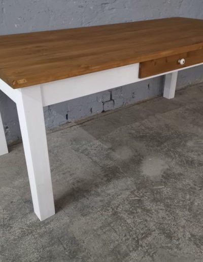 200 egyenes feher asztal mivesbutor 2 - Felújított Míves Bútorok