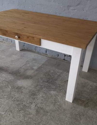 160 egyenes feher mivesbutor5 - Felújított Míves Bútorok