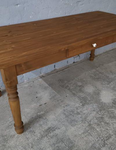 180 esztergalt vax asztal mivesbutor 3 - Felújított Míves Bútorok
