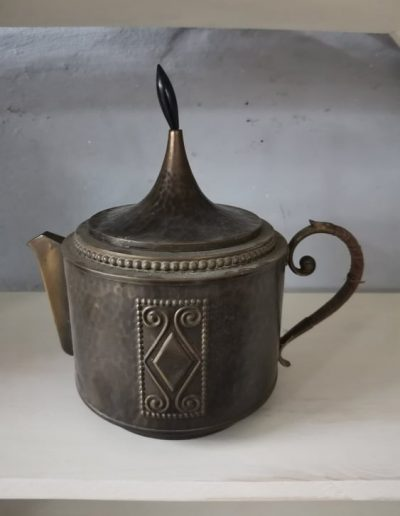 tea melegito mivesbutor 2 - Felújított Míves Bútorok